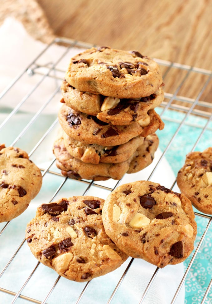 White and Dark Chocolate Chunk Cookies in a cooling rack