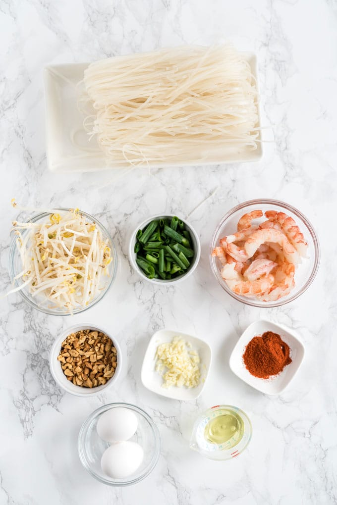 Ingredients to make this Pad Thai recipe