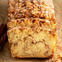 cinnamon sugar and apples streusel on quick bread